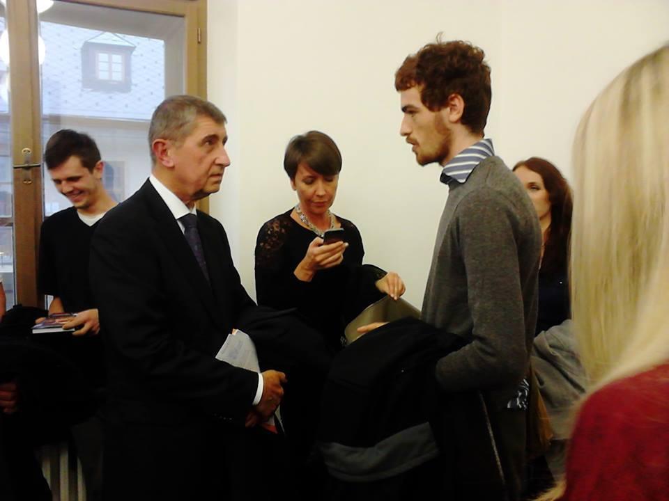 Kterak mě Babiš pozval na kafe aneb V demokratické společnosti je prý zcela normální, že ministr ve vládě vlastní velkou část médií