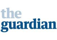""",,Je to past, nechat si namluvit, že jste zaujatý"""", říká novinář z Guardianu Christian Davies"""