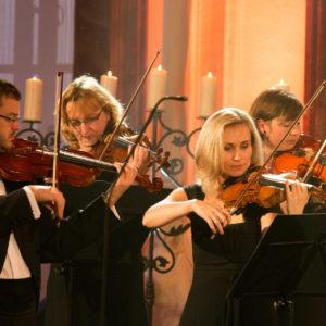 Už dvacátým sedmým rokem pořádá ČT vánoční sbírku Adventní koncerty