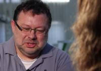 Jaroslav Kmenta zažil na vlastní kůži obrovský tlak, kterým stát působí na novináře