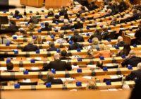 Evropský parlament navzdory protestům schválil kontroverzní články 11 a 13