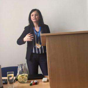 Monika Kopytowska na Mediální r(e)voluci zakotvila zobrazování terorismu v médiích do teorie proximizace