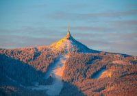 Ještěd boří stereotyp dvou budov na vrcholu hory