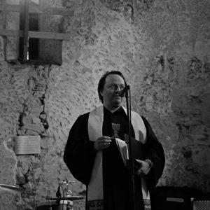 Radio Wave bude streamovat velikonoční kázání faráře Petra Wagnera